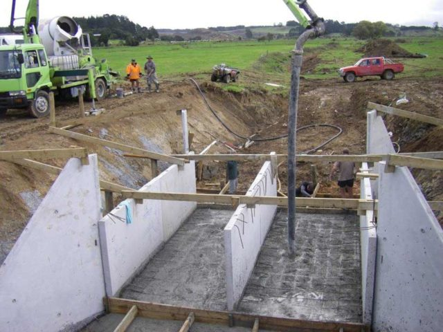 The construction of the flood gate system