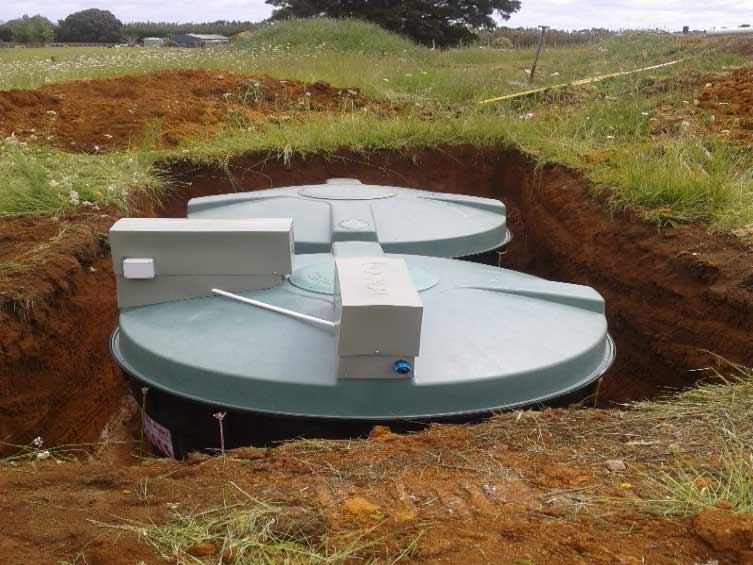 Tech Treat Plastic Septic Tank